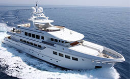 Luxury Yachts Charter